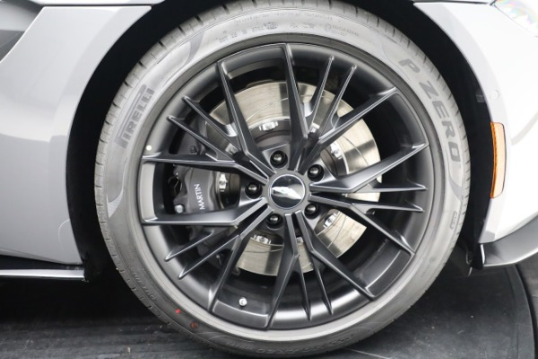 New 2021 Aston Martin Vantage Roadster for sale $180,286 at Bugatti of Greenwich in Greenwich CT 06830 27