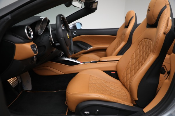 Used 2017 Ferrari California T for sale Sold at Bugatti of Greenwich in Greenwich CT 06830 26