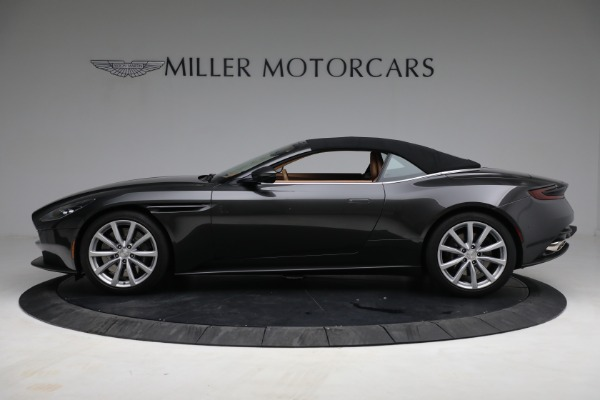 Used 2019 Aston Martin DB11 Volante for sale $212,990 at Bugatti of Greenwich in Greenwich CT 06830 17