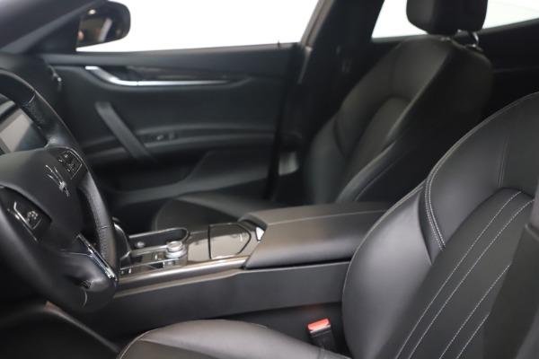 Used 2018 Maserati Ghibli SQ4 for sale $54,900 at Bugatti of Greenwich in Greenwich CT 06830 14