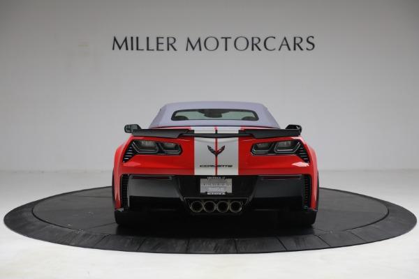 Used 2015 Chevrolet Corvette Z06 for sale $89,900 at Bugatti of Greenwich in Greenwich CT 06830 18