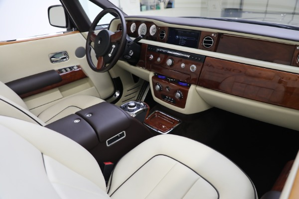Used 2015 Rolls-Royce Phantom Drophead Coupe for sale Call for price at Bugatti of Greenwich in Greenwich CT 06830 28