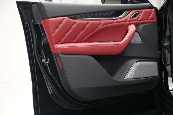 New 2022 Maserati Levante Trofeo for sale $155,045 at Bugatti of Greenwich in Greenwich CT 06830 21