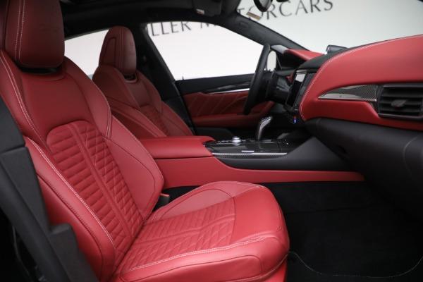 New 2022 Maserati Levante Trofeo for sale $155,045 at Bugatti of Greenwich in Greenwich CT 06830 27