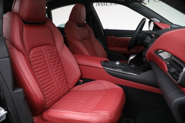 New 2022 Maserati Levante Trofeo for sale $155,045 at Bugatti of Greenwich in Greenwich CT 06830 28