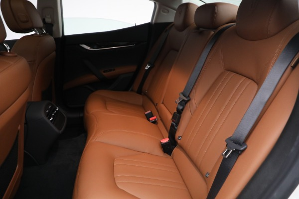 New 2022 Maserati Ghibli Modena Q4 for sale $86,645 at Bugatti of Greenwich in Greenwich CT 06830 22