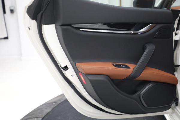 New 2022 Maserati Ghibli Modena Q4 for sale $86,645 at Bugatti of Greenwich in Greenwich CT 06830 23