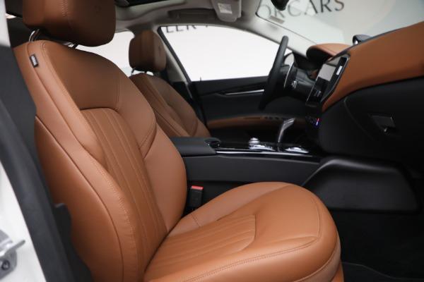 New 2022 Maserati Ghibli Modena Q4 for sale $86,645 at Bugatti of Greenwich in Greenwich CT 06830 25