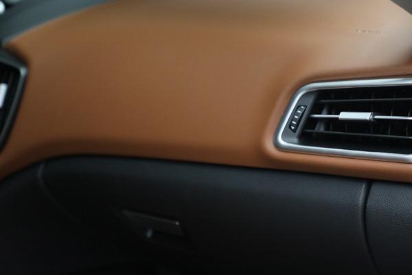 New 2022 Maserati Ghibli Modena Q4 for sale $86,645 at Bugatti of Greenwich in Greenwich CT 06830 27