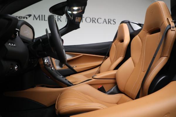 New 2022 McLaren 720S Spider for sale $382,090 at Bugatti of Greenwich in Greenwich CT 06830 21