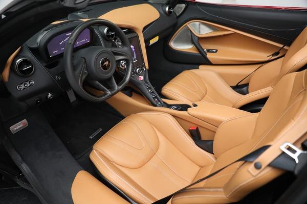 New 2022 McLaren 720S Spider for sale $382,090 at Bugatti of Greenwich in Greenwich CT 06830 23
