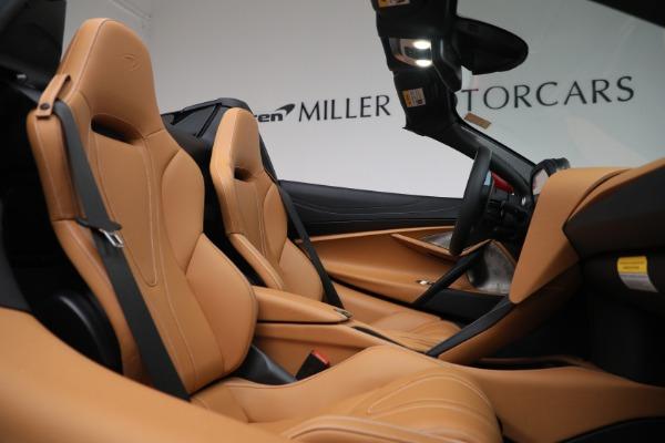 New 2022 McLaren 720S Spider for sale $382,090 at Bugatti of Greenwich in Greenwich CT 06830 25