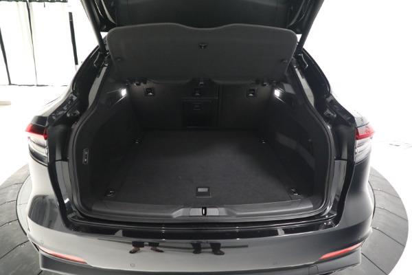 New 2022 Maserati Levante Modena for sale $108,775 at Bugatti of Greenwich in Greenwich CT 06830 18