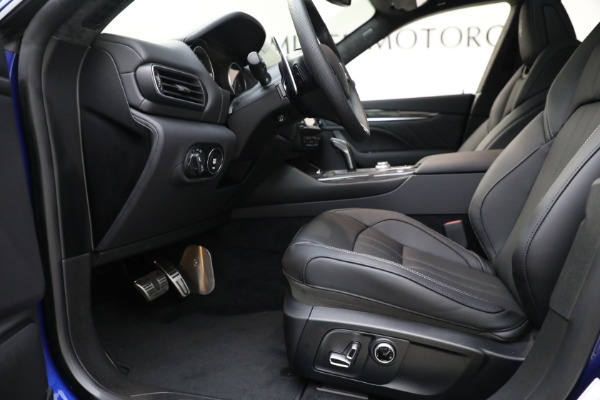 New 2022 Maserati Levante Modena for sale $108,475 at Bugatti of Greenwich in Greenwich CT 06830 14