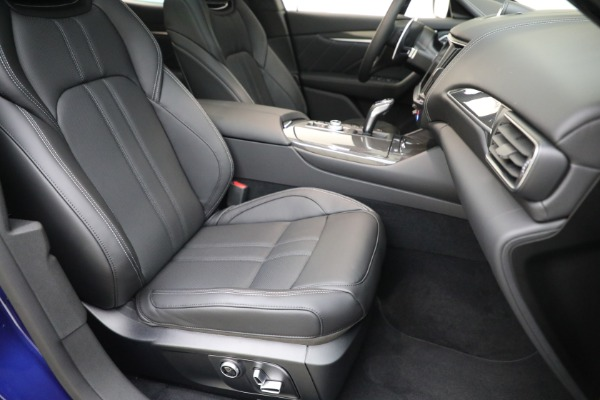 New 2022 Maserati Levante Modena for sale $108,475 at Bugatti of Greenwich in Greenwich CT 06830 24