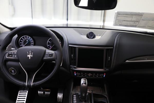 New 2022 Maserati Levante Modena for sale $109,975 at Bugatti of Greenwich in Greenwich CT 06830 10