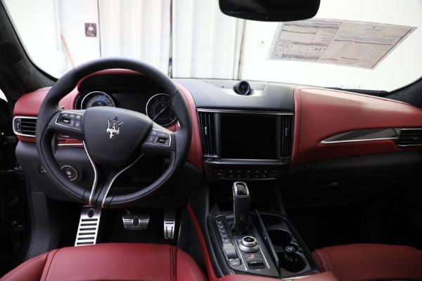 New 2022 Maserati Levante Modena for sale $113,375 at Bugatti of Greenwich in Greenwich CT 06830 14