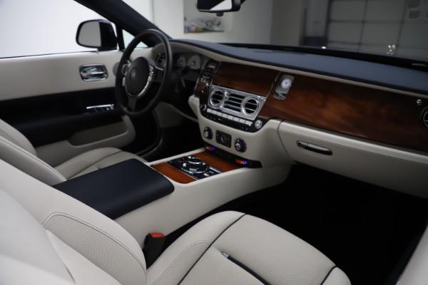 Used 2016 Rolls-Royce Dawn for sale $243,900 at Bugatti of Greenwich in Greenwich CT 06830 28
