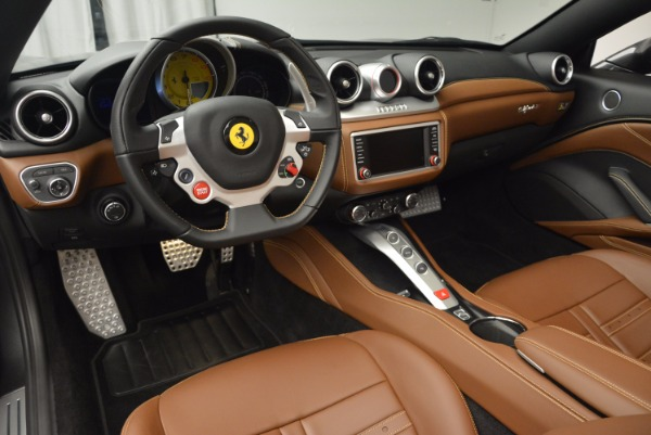 Used 2015 Ferrari California T for sale Sold at Bugatti of Greenwich in Greenwich CT 06830 25
