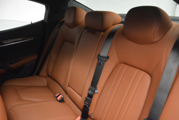 Used 2017 Maserati Ghibli S Q4  EX-LOANER for sale Sold at Bugatti of Greenwich in Greenwich CT 06830 18