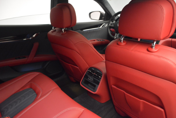 New 2017 Maserati Quattroporte S Q4 GranLusso for sale Sold at Bugatti of Greenwich in Greenwich CT 06830 28