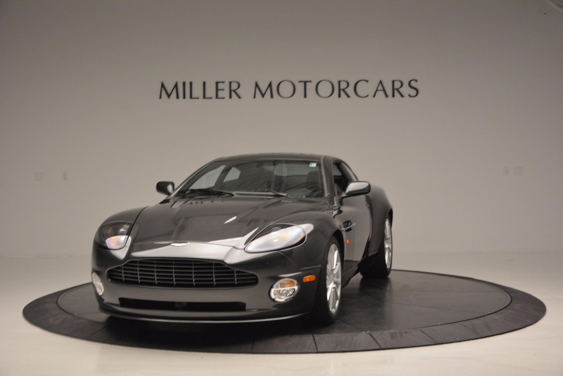Used 2005 Aston Martin V12 Vanquish S for sale Sold at Bugatti of Greenwich in Greenwich CT 06830 1