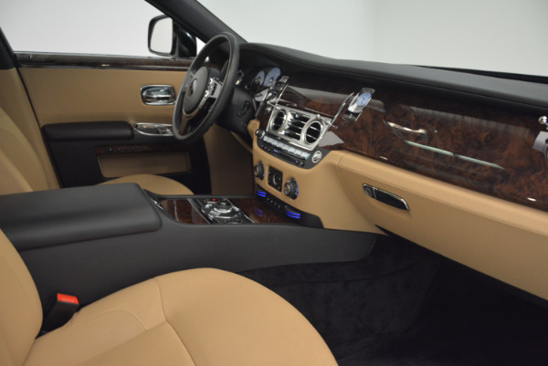 Used 2011 Rolls-Royce Ghost for sale Sold at Bugatti of Greenwich in Greenwich CT 06830 27