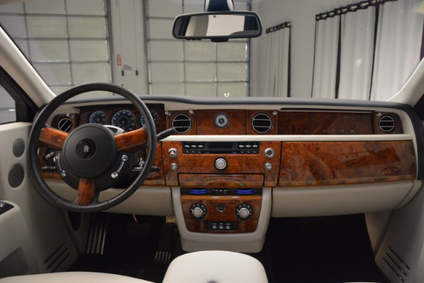 Used 2011 Rolls-Royce Phantom for sale Sold at Bugatti of Greenwich in Greenwich CT 06830 16