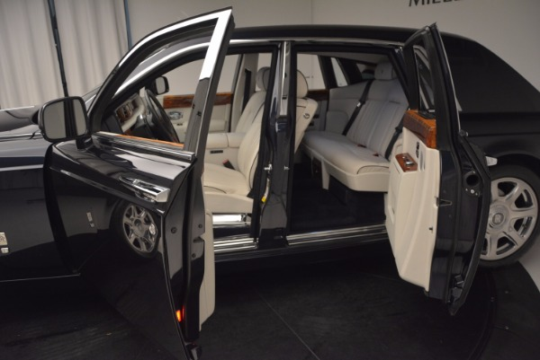 Used 2011 Rolls-Royce Phantom for sale Sold at Bugatti of Greenwich in Greenwich CT 06830 5