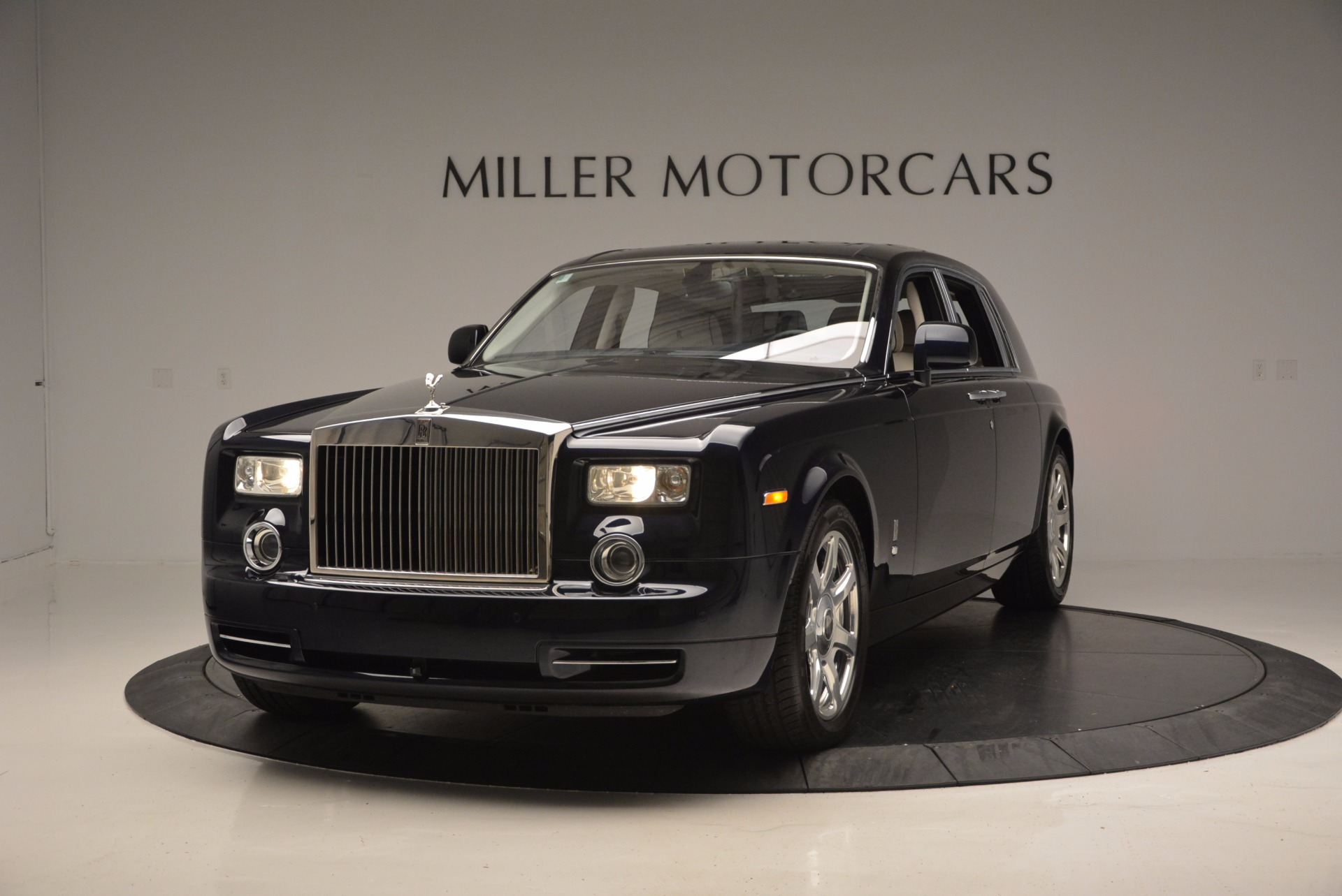 Used 2011 Rolls-Royce Phantom for sale Sold at Bugatti of Greenwich in Greenwich CT 06830 1
