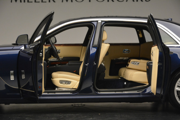 Used 2016 Rolls-Royce Ghost EWB for sale Sold at Bugatti of Greenwich in Greenwich CT 06830 16