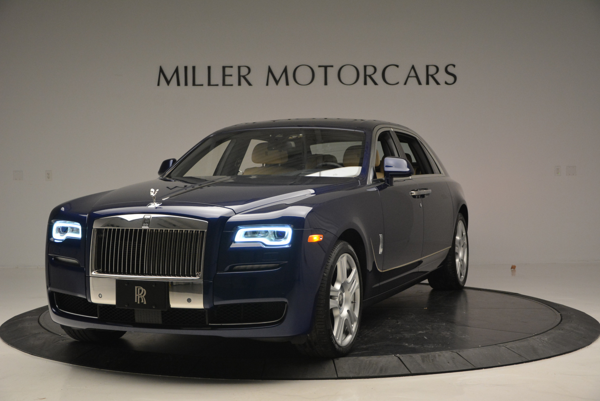 Used 2016 Rolls-Royce Ghost EWB for sale Sold at Bugatti of Greenwich in Greenwich CT 06830 1