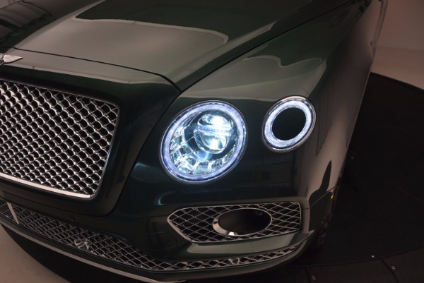 Used 2017 Bentley Bentayga W12 for sale $135,900 at Bugatti of Greenwich in Greenwich CT 06830 17