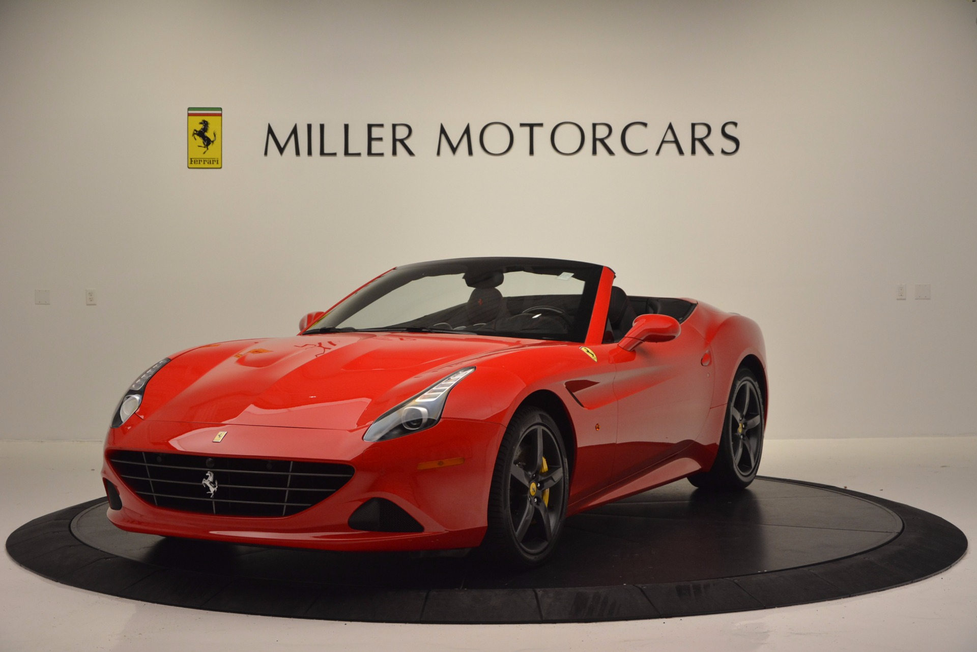 Used 2016 Ferrari California T for sale Sold at Bugatti of Greenwich in Greenwich CT 06830 1