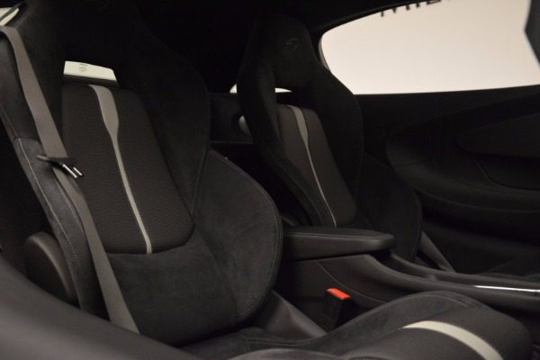 Used 2017 McLaren 570S Coupe for sale $149,900 at Bugatti of Greenwich in Greenwich CT 06830 20