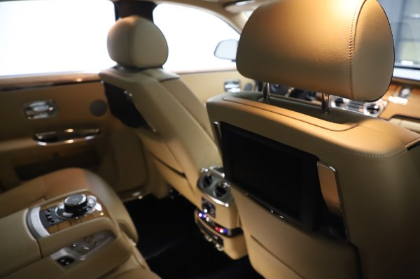 Used 2014 Rolls-Royce Ghost V-Spec for sale Sold at Bugatti of Greenwich in Greenwich CT 06830 16