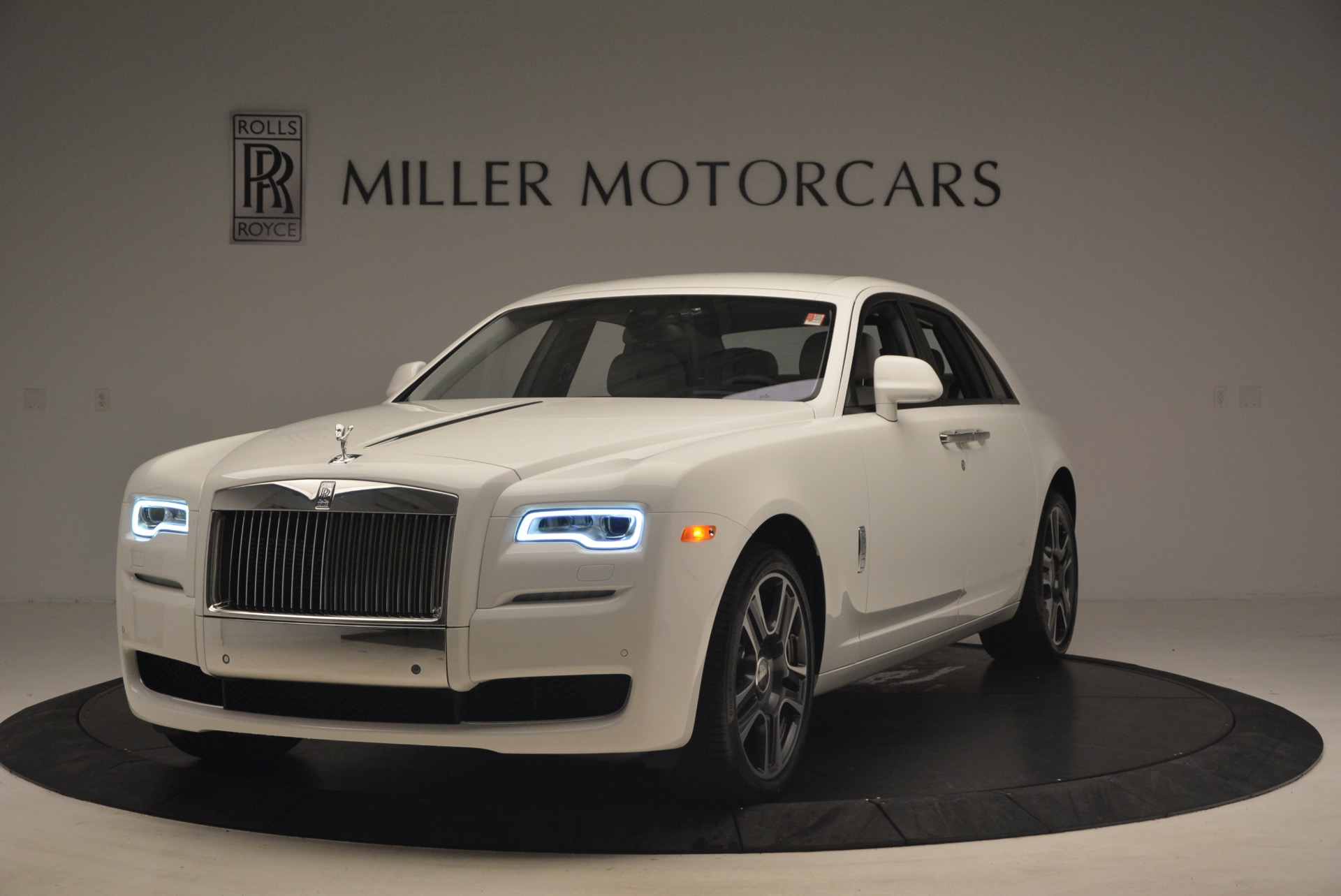 Used 2017 Rolls-Royce Ghost for sale Sold at Bugatti of Greenwich in Greenwich CT 06830 1